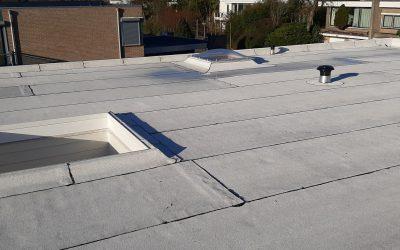 Witte reflecterende dakbedekking